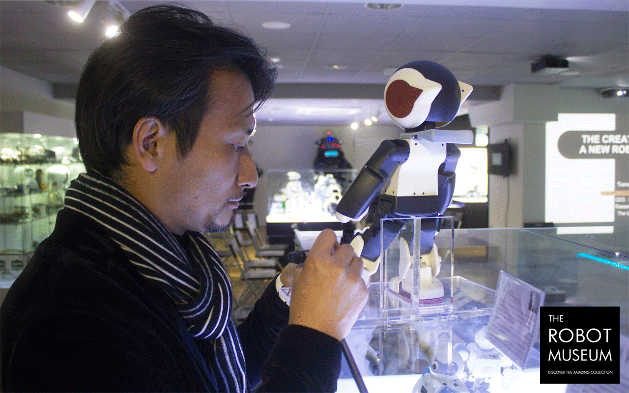 Tomotaka Takahashi en The Robot Museum